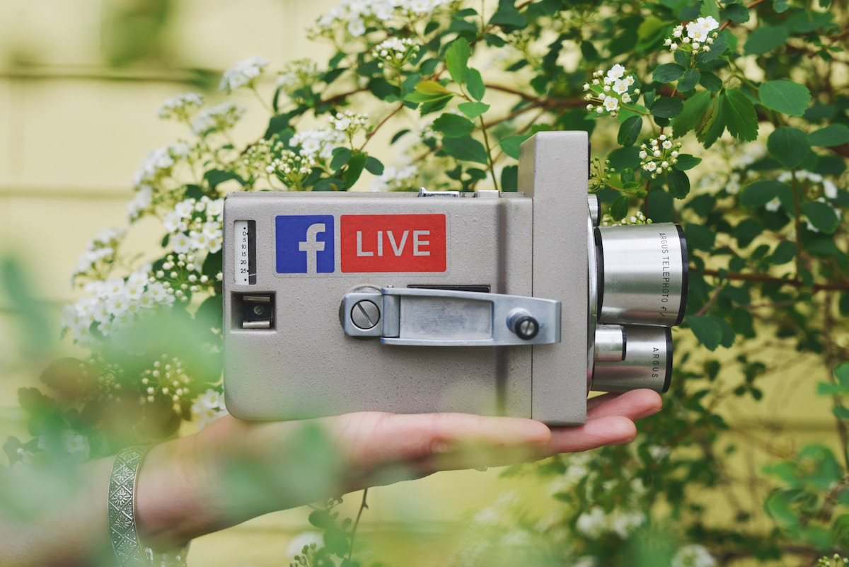 how to create your own facebook live show